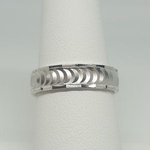 Jewelry - Sterling Silver Half Moon Wedding Band Ring